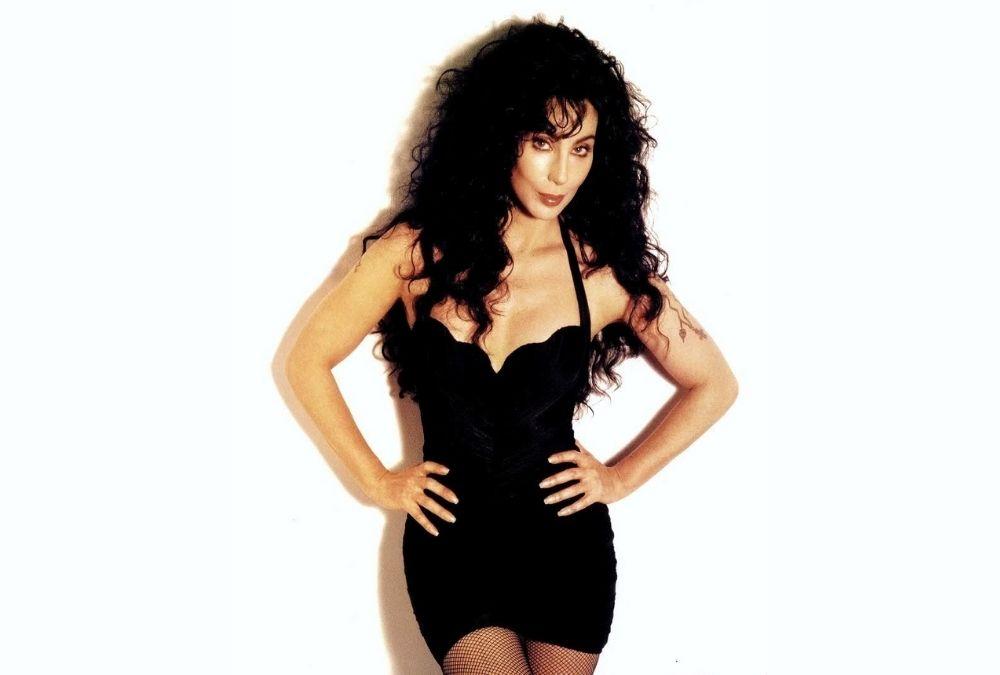 75 éves Cher