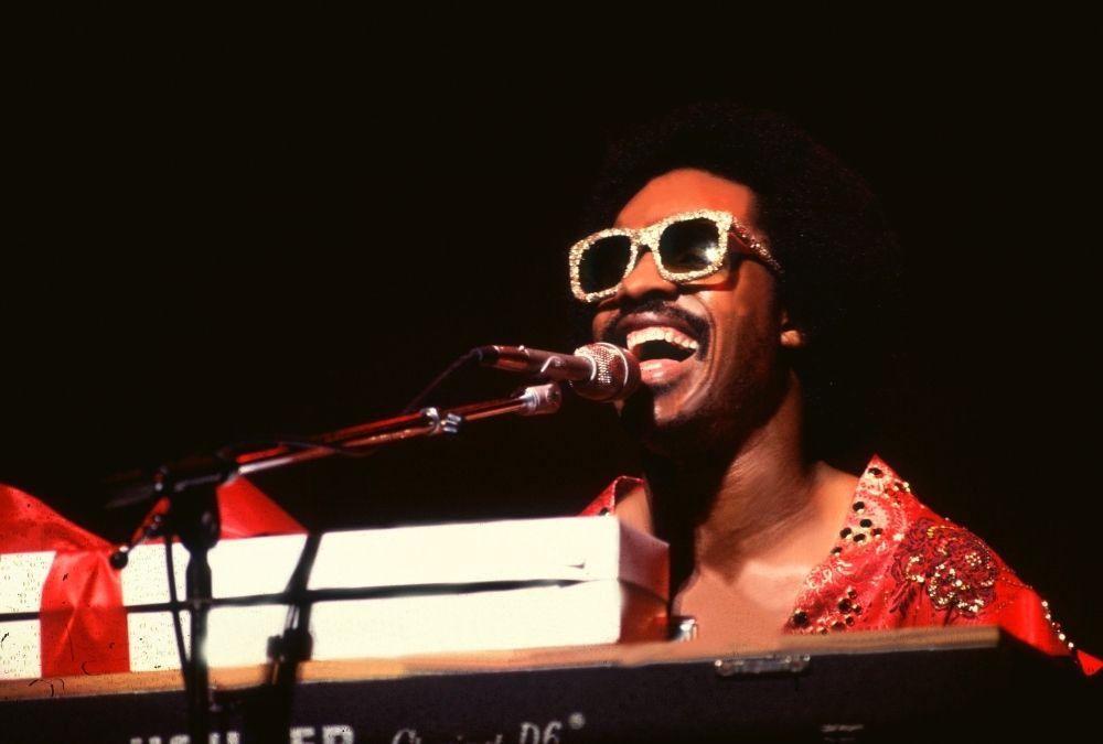 Stevie Wonder – Mindenhol hallatja a hangját